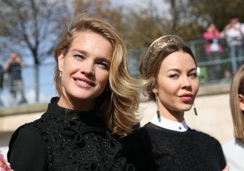 Natalia-Vodianova-and-Ulyana-Sergeenko-at-Paris-Fashion-Week-2012.jpg